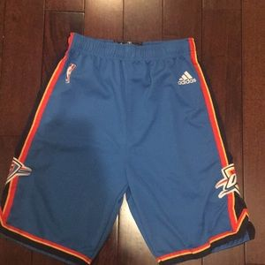 Boys sz L Adidas OKC Thunder basketball shorts